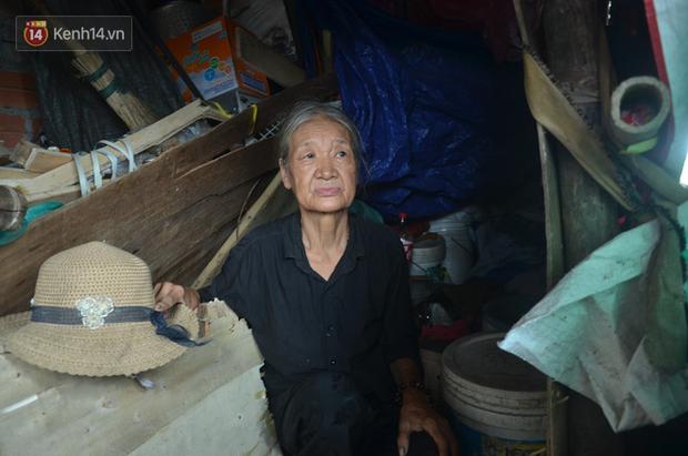 Xót thương cụ bà nhường căn phòng 3m2 cho con trai rồi sống một mình trong nhà rác sau chợ Long Biên - Ảnh 5.