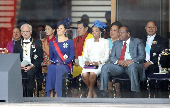"""Cộng động mạng phát sốt với vẻ đẹp """"thoát tục"""" không góc chết của Hoàng hậu Bhutan ở Nhật Bản khi tham dự lễ đăng quang  - Ảnh 3."""
