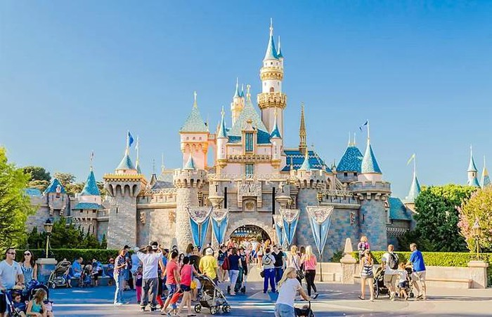 Cảnh báo bệnh sởi khi tham quan công viên Disneyland