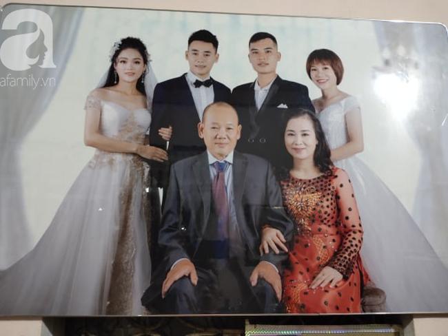 """Chuyện chưa từng yêu nhưng vẫn đám cưới của cô hoa khôi Lạng Sơn 29 năm trước: Là người đầu tiên trong làng mặc váy cưới và dàn """"siêu xe"""" rước dâu khiến tất cả """"lác mắt"""" - Ảnh 7."""
