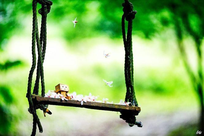 Cuộc sống vốn dĩ đã khó, hiểu được cuộc sống lại càng khó hơn.3
