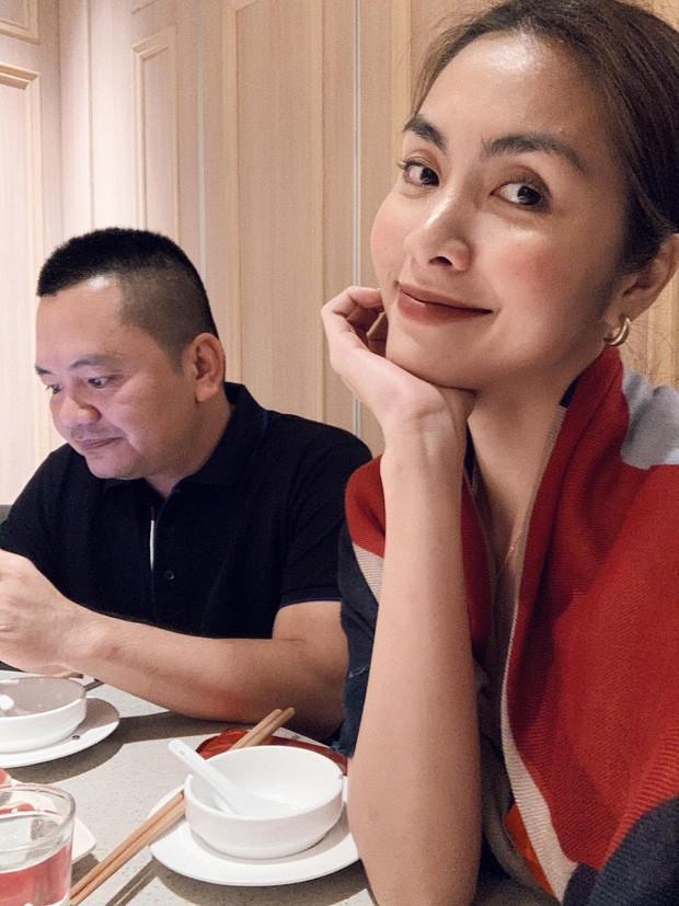 Được ông xã Louis Nguyễn và hội bạn thân mở tiệc hậu sinh nhật nhưng Tăng Thanh Hà lại gây chú ý nhờ điều này - Ảnh 3.