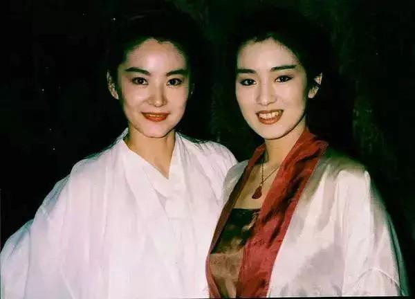 """Nhìn lại loạt ảnh tuổi 20 của Củng Lợi, người từng được giới báo chí nước ngoài gọi là """"người phụ nữ đẹp nhất phương Đông"""" - Ảnh 12."""