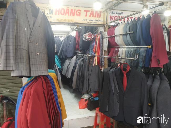 """Vào mùa cưới, người Sài Gòn lại rủ nhau tới khu chợ đồ cưới """"bao rẻ, bao đẹp"""" ở quận Tân Bình - Ảnh 10."""