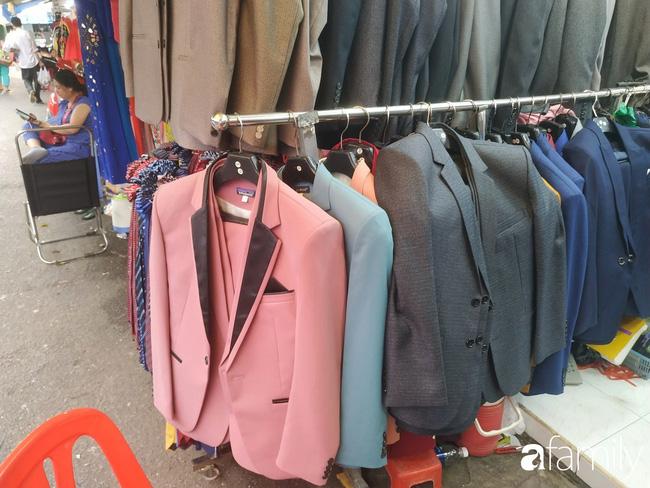 """Vào mùa cưới, người Sài Gòn lại rủ nhau tới khu chợ đồ cưới """"bao rẻ, bao đẹp"""" ở quận Tân Bình - Ảnh 11."""