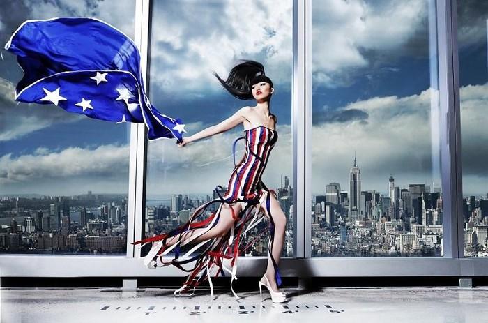 Siêu mẫu Jessica Minh Anh: 'Đàn ông mạnh mẽ, hóm hỉnh là hấp dẫn'