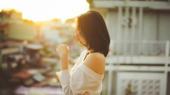 Phụ nữ sống vì người khác là tự tàn ác với chính bản thân mình - Ảnh 1