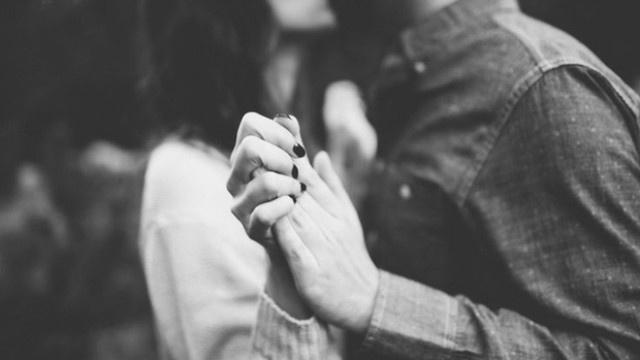 5 biểu hiện tưởng vu vơ nhưng đủ để nói lên rằng bạn đã yêu người ta mà không biết