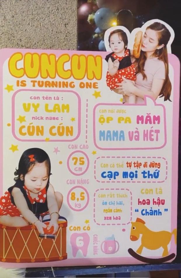 Vợ chồng Hoài Lâm chính thức công khai diện mạo con gái đầu lòng, tiết lộ tên thật của hai công chúa nhỏ - Ảnh 4.