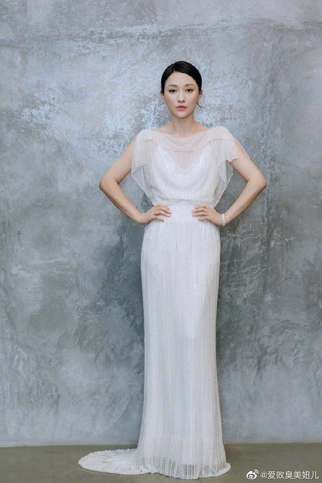 """Châu Tấn diện váy cưới gần trăm triệu đi sự kiện, khẳng định khí chất """"Hoàng hậu nương nương"""" không ai có thể phủ nhận  - Ảnh 4."""