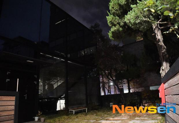 Cận cảnh hiện trường tại ngôi nhà Goo Hara vừa qua đời ở Cheongdamdong - Ảnh 9.