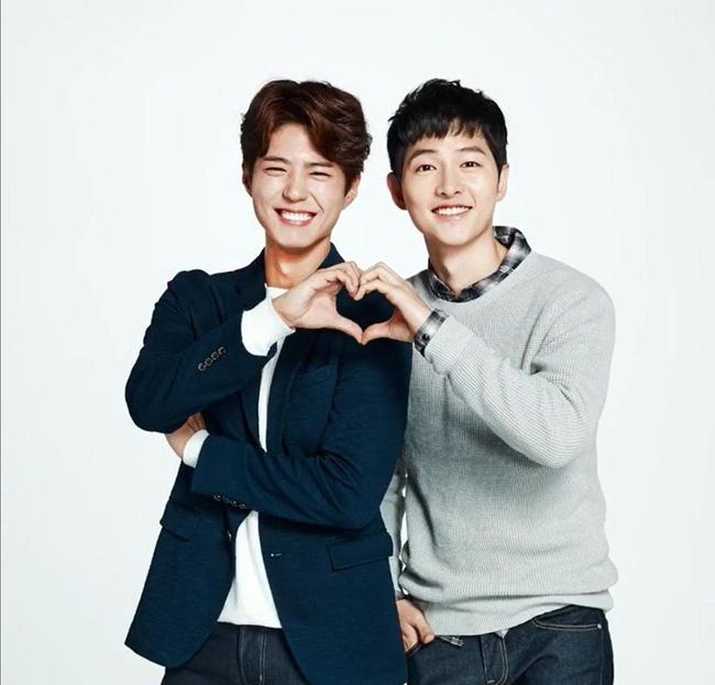 """Mối quan hệ """"nhập nhằng"""" của Park Bo Gum - Song Hye Kyo: Từ cậu em chồng thân thiết cho tới nghi vấn kẻ thứ 3 đâm sau lưng Song Joong Ki   - Ảnh 2."""