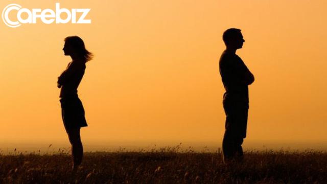 Định nghĩa tình yêu: Gặp đúng người nhưng sai thời điểm cũng vẫn là yêu sai người - Ảnh 1.