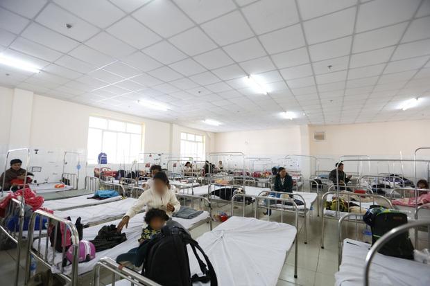Lâm Đồng: Gần 60 trẻ em nhập viện sau khi dùng đồ ăn từ thiện - Ảnh 2.