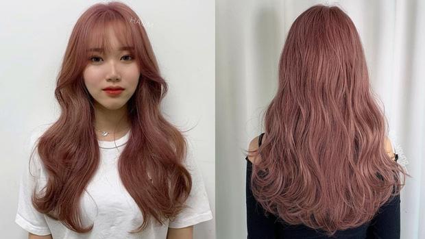Năm mới bạn nên thử nhuộm tóc hồng nâu vì có tới 4 phiên bản, đã không kén da còn đảm bảo xinh lung linh - Ảnh 2.