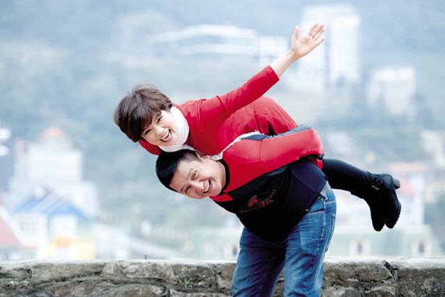 Trước khi ly hôn, Chí Trung - Ngọc Huyền từng tình cảm trên sóng truyền hình khiến Việt Hương, Đại Nghĩa cũng ghen tị - Ảnh 6.