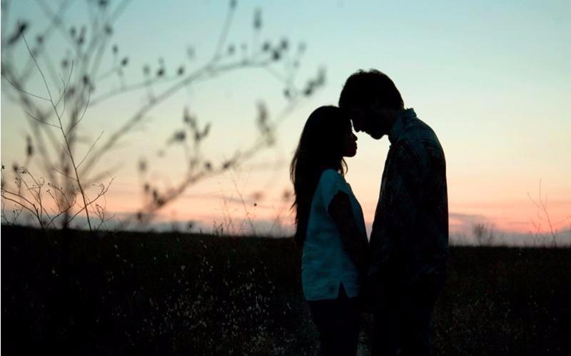 Những trạng thái nghịch lý của tình yêu: Người dành tình cảm cho bạn có thể sẽ trao phần đời còn lại cho 1 người khác - Ảnh 1