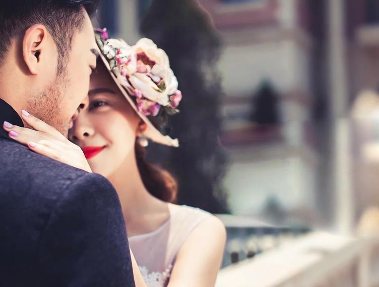 Đừng tìm người đàn ông khiến bạn trưởng thành, hãy tìm người đàn ông cho phép bạn sống như một đứa trẻ - Ảnh 3