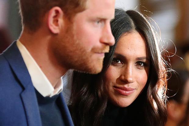 Không còn là Hoàng tử và Công nương: Meghan và Harry chính thức từ bỏ tước vị trong thông báo mới nhất nhưng sẽ mãi là cháu trai cưng của Nữ hoàng - Ảnh 2.