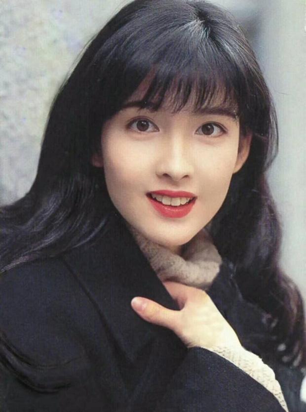 Mấy chục năm nhìn lại, cách makeup của loạt mỹ nhân TVB ngày xưa vẫn đẹp và vào mắt thế không biết - Ảnh 1.