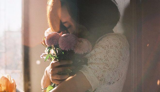 Sao cứ mãi chạy theo tình yêu không thuộc về mình để rồi thở dài tiếc nuối: 'Đừng yêu nữa, em mệt rồi' - Ảnh 1