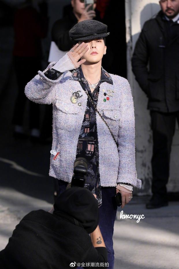 Diện áo nữ đấy nhưng G-Dragon lại hạ đo ván Tống Thiến, đẳng cấp ông hoàng thời trang Kbiz là đây chứ đâu - Ảnh 3.