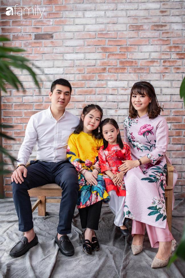 Cặp vợ chồng trẻ vừa trở về từ Thành Đô - Trung Quốc và nỗi lo sợ trong những ngày cách ly, tạm dừng công việc vô thời hạn - Ảnh 1.