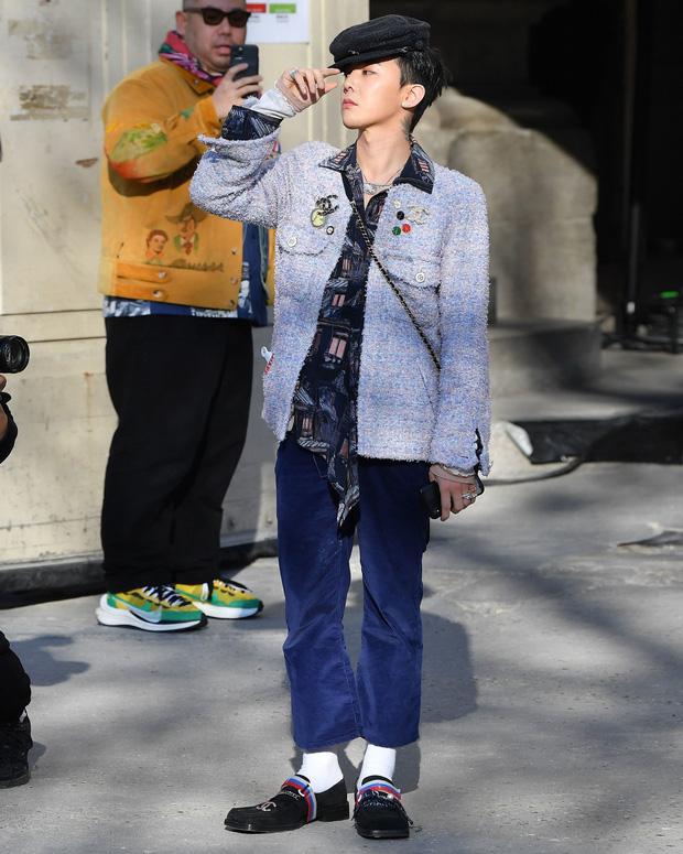 Diện áo nữ đấy nhưng G-Dragon lại hạ đo ván Tống Thiến, đẳng cấp ông hoàng thời trang Kbiz là đây chứ đâu - Ảnh 1.