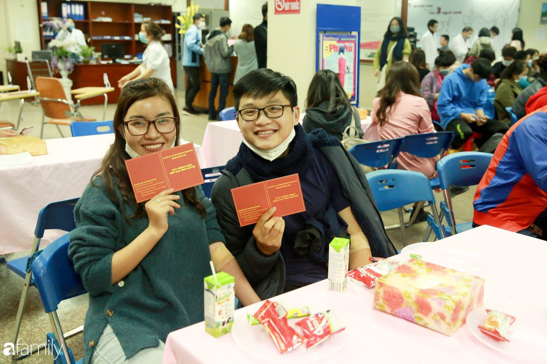 """Chàng trai """"Vũ Hán"""" đến bệnh viện tại Hà Nội tự nguyện hiến máu khiến nhiều người giật mình thảng thốt - Ảnh 14."""