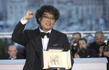 Cuộc đời cha đẻ Ký Sinh Trùng Bong Joon Ho: Từ đạo diễn gia thế khủng dính scandal #Metoo đến kỳ tài làm nên lịch sử tại Oscar - Ảnh 7.