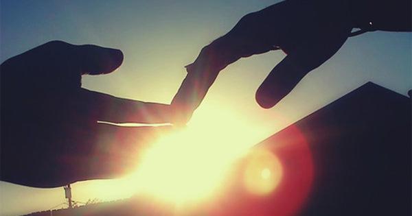 Muốn hạnh phúc phải học cách buông tay để mà giữ lại