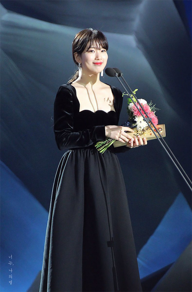 Không cần váy áo sặc sỡ đính sương sa, mỹ nhân Hoa - Hàn chỉ diện đầm đen huyền bí là đã đẹp không thốt nên lời - Ảnh 9.