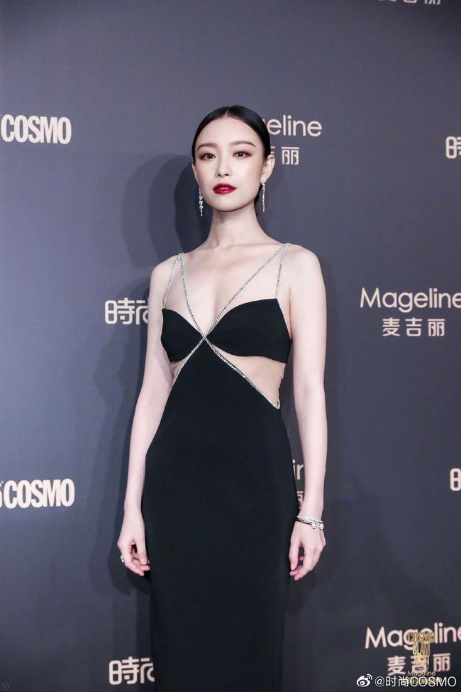 Không cần váy áo sặc sỡ đính sương sa, mỹ nhân Hoa - Hàn chỉ diện đầm đen huyền bí là đã đẹp không thốt nên lời - Ảnh 3.