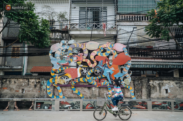 Chùm ảnh: Khi bãi tập kết rác ven sông Hồng trở thành 16 tác phẩm nghệ thuật đương đại - Ảnh 10.