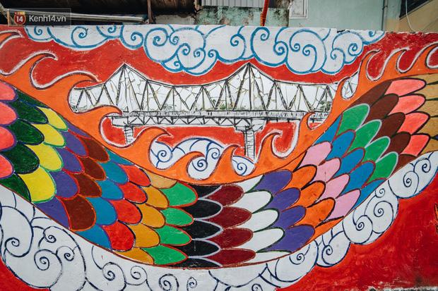 Chùm ảnh: Khi bãi tập kết rác ven sông Hồng trở thành 16 tác phẩm nghệ thuật đương đại - Ảnh 5.