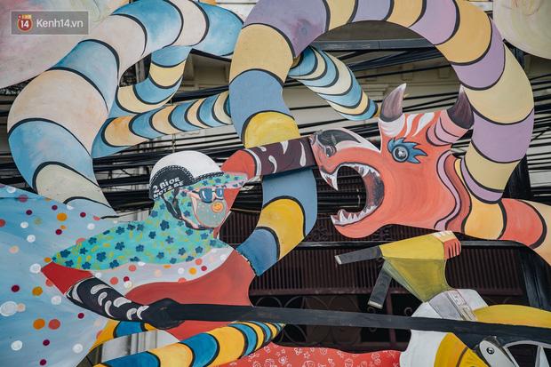 Chùm ảnh: Khi bãi tập kết rác ven sông Hồng trở thành 16 tác phẩm nghệ thuật đương đại - Ảnh 11.