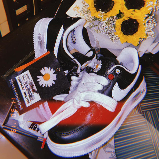 Đúng là fan ruột có khác: Phương Ly đâu chỉ mua giày Hoa Cúc mà còn khoe nhẫn đôi với G-Dragon nữa này - Ảnh 4.