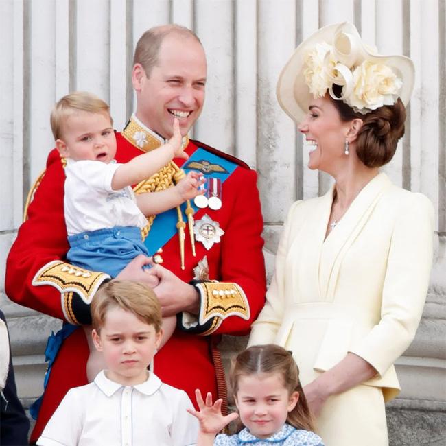 Nữ Công tước Kate Middleton thừa nhận có lỗi với con, nhưng cách dạy con của cô khiến nhiều người tâm phục, khẩu phục - Ảnh 2.
