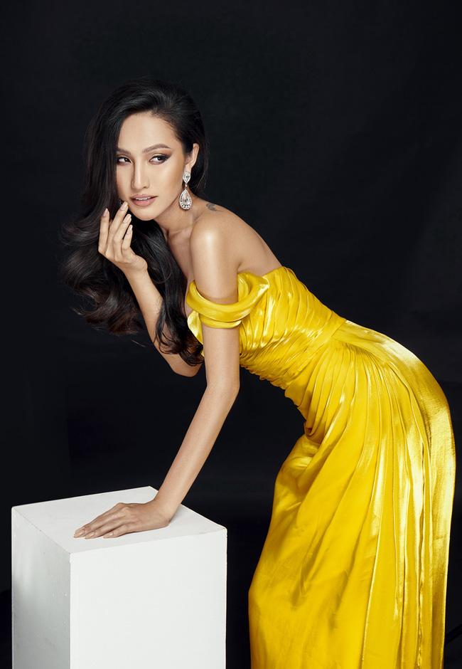 Bạn gái chuyển giới của Trọng Hiếu gây choáng với màn lột xác táo bạo, chính thức lên đường đi thi Miss International Queen 2020 - Ảnh 5.