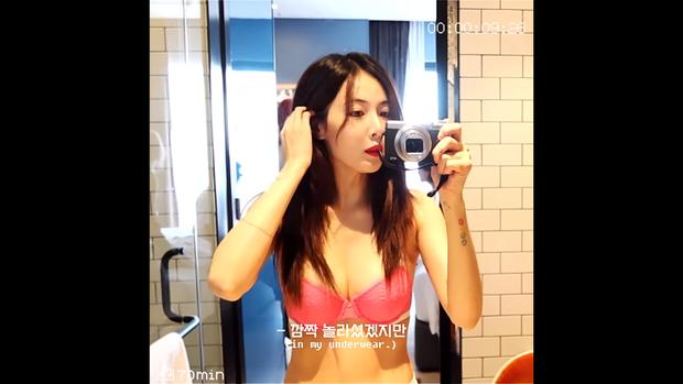 Sau loạt ảnh nội y gây sốt, Hyuna khoe vòng 1 nóng bỏng ngay trước mặt bạn trai trong show thực tế riêng - Ảnh 2.