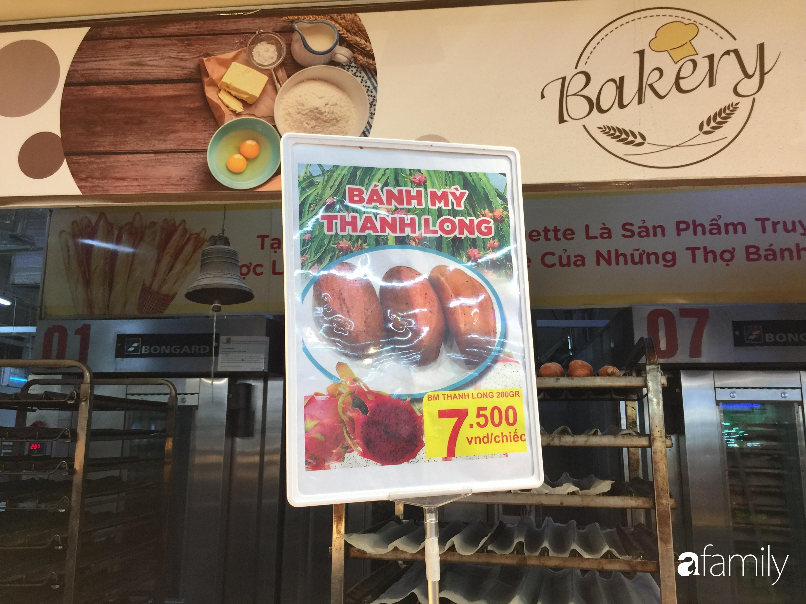 Hà Nội: Người tiêu dùng đổ xô đi mua bánh mì thanh long do hương vị giòn xốp ngậy mà giá rẻ chỉ bằng 1/3 bánh mì truyền thống - Ảnh 4.