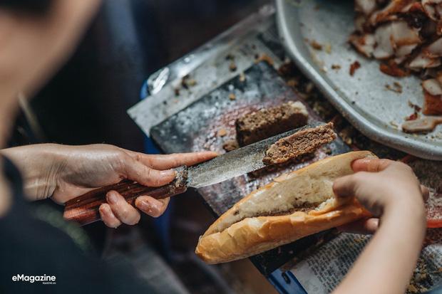 Bánh mì Việt cưa đổ cả thế giới: từ món Tây vay mượn đã trở thành đặc sản Việt Nam vươn tầm quốc tế, ghi hẳn tên riêng trong từ điển - Ảnh 15.