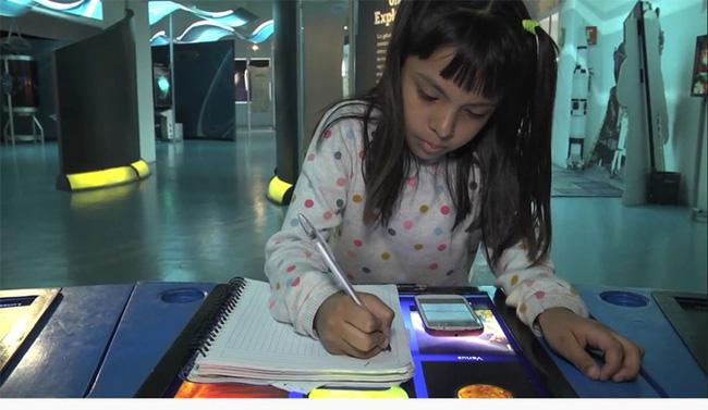 Cô bé sinh ra từ làng quê nghèo, có IQ cao hơn cả Einstein, chuẩn bị vào đại học khi mới tròn 8 tuổi - Ảnh 3.