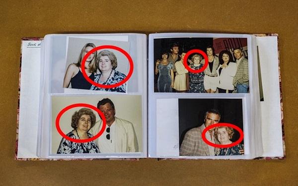 """Cuốn album kỳ lạ chứa toàn ảnh của người phụ nữ bí ẩn chụp với các ngôi sao Hollywood, dân mạng đòi """"truy lùng"""" bằng được danh tính của bà - Ảnh 1."""