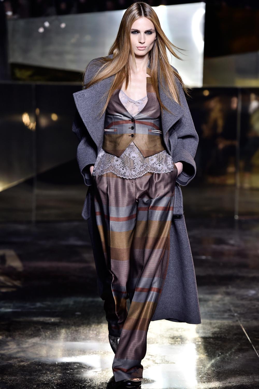 người mẫu lưỡng tính andrej pajic trong buổi diễn của H&M 2016