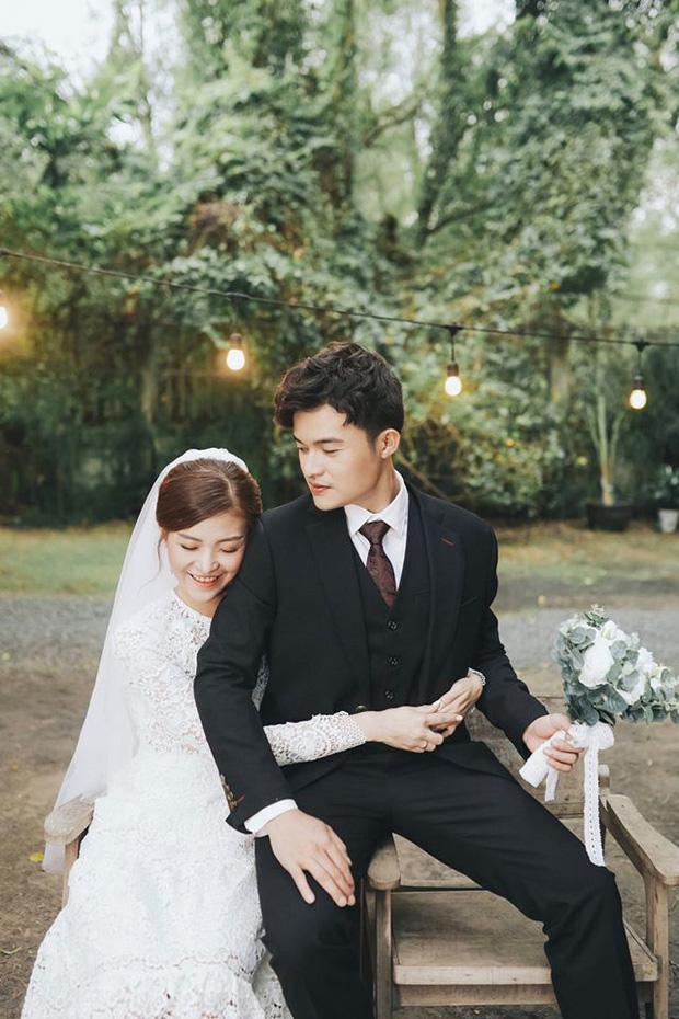 Ngắm trọn loạt ảnh cưới của cặp Người ấy là ai: Từ ướt át đến tái hiện lại khung cảnh nơi anh gặp em - Ảnh 2.