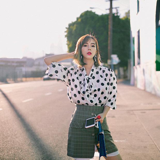 Áo blouse kiểu quý tộc đang được hội chị em sao Hàn mê mệt, bánh bèo là thế nhưng lên đồ lại sang chảnh khó tin - Ảnh 15.