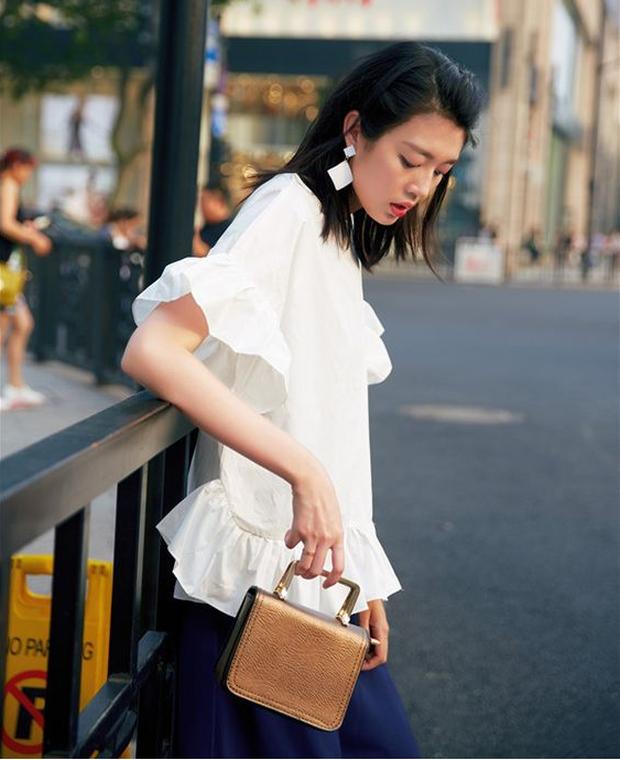 Áo blouse kiểu quý tộc đang được hội chị em sao Hàn mê mệt, bánh bèo là thế nhưng lên đồ lại sang chảnh khó tin - Ảnh 20.