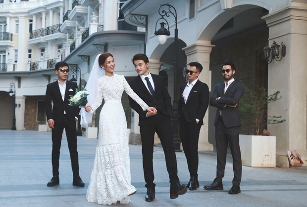Ngắm trọn loạt ảnh cưới của cặp Người ấy là ai: Từ ướt át đến tái hiện lại khung cảnh nơi anh gặp em - Ảnh 14.