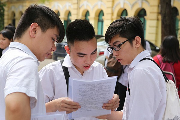 Thông tin mới nhất về lịch thi tuyển sinh vào lớp 10 tại Hà Nội, TP.HCM - Ảnh 2.
